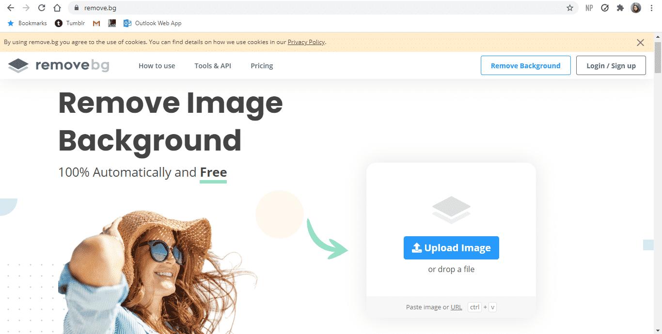 Buka-situs-Remove.bg-melalui-browser.-Disarankan-menggunakan-PC-agar-proses-penggantian-latar-belakang-bisa-berjalan-dengan-cepat